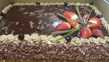 Tort czekoladowy prostokątny
