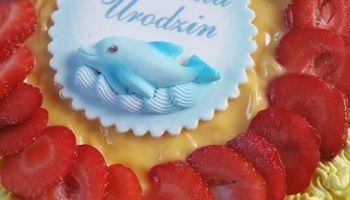Tort urodzinowy o smaku cytrynowym