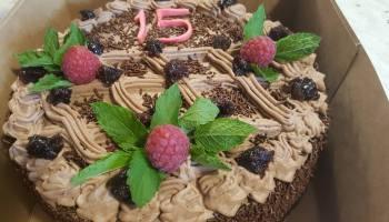 Tort czekoladowo wiśnowy