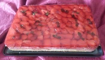 Ciasto owocowe z galaretką i truskawkami