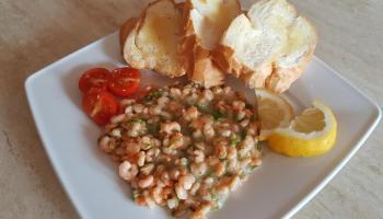 Krewetki w sosie maślano-cytrynowym z grzankami